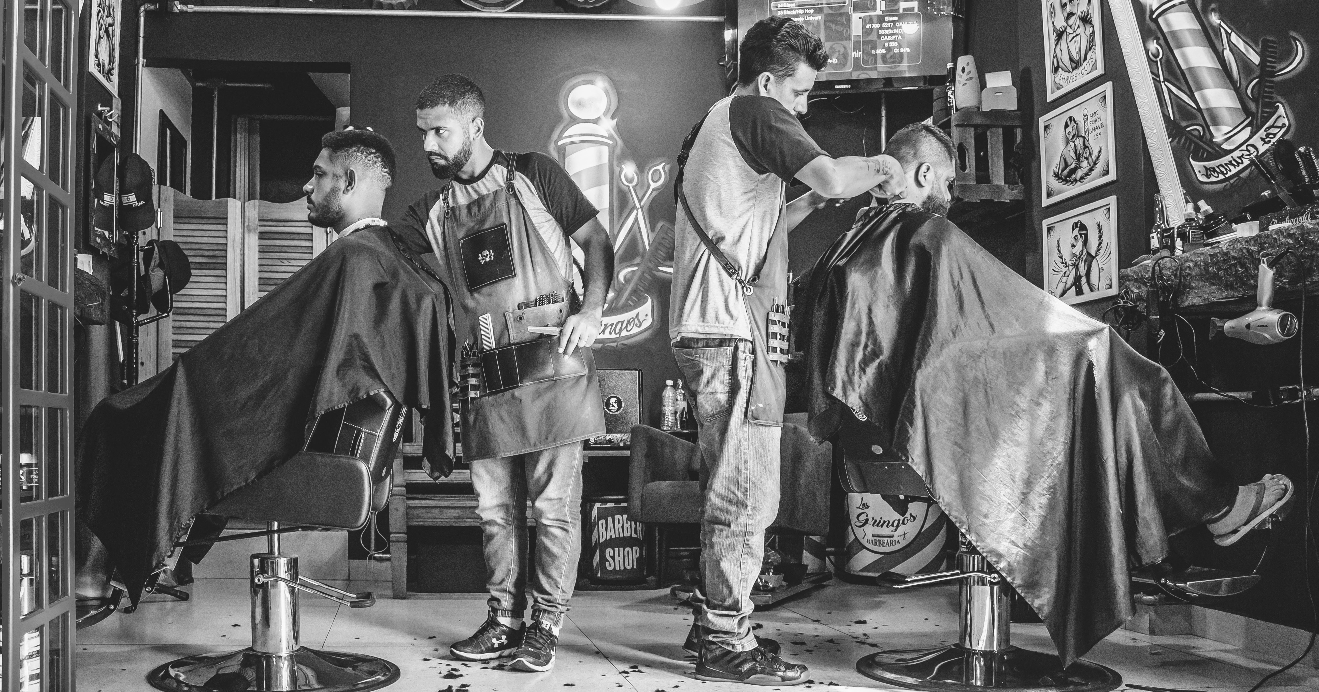 adults-barber-barbershop-1813272